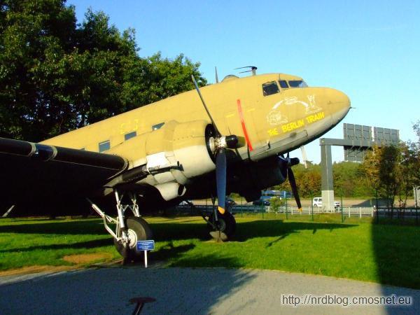 Douglas C-47 Skytrain