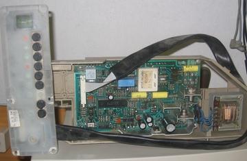 "Mikropocesorowy sterownik pralki z NRD Źródło: {a href=""http://www.robotrontechnik.de}www.robotrontechnik.de{/a}"