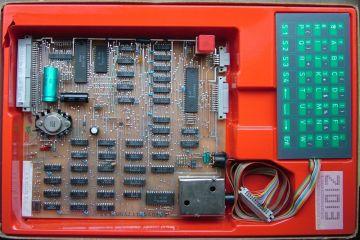 """Komputer domowy Z1013 Źródło:{a href=""""http://www.robotrontechnik.de}www.robotrontechnik.de{/a}"""