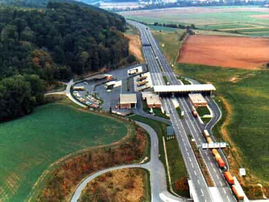 """Przejście graniczne Herleshausen Źródło: {a href=""""http://www.grenzzaunlos.de""""}www.grenzzaunlos.de{/a}"""