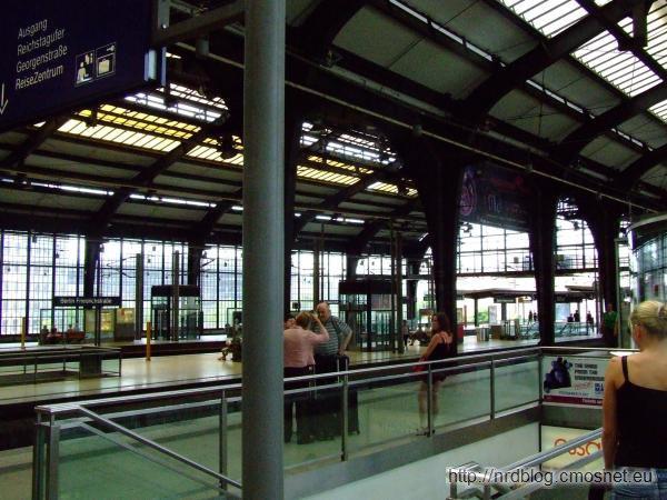 Stacja Berlin Friedrichstrasse