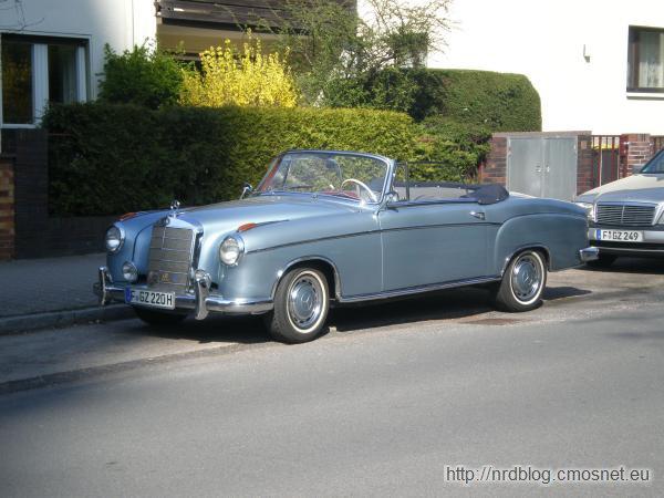 Mercedes 220S (W 180 II)