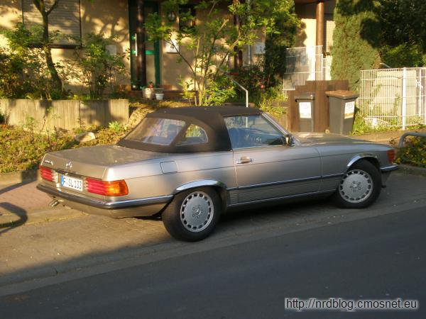 Mercedes 300SL (R107)