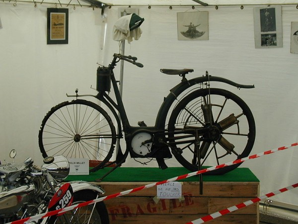 Motocykl Milleta, Źródło: Wikipedia Autor: Gérard Delafond