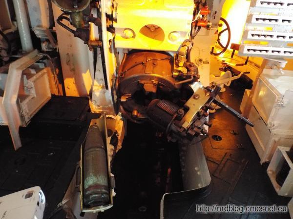 HMS Belfast - w wieży działowej