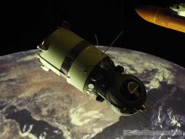 """Science Museum London - Model statku kosmicznego """"Wostok"""" z NRD-owskiego setu"""