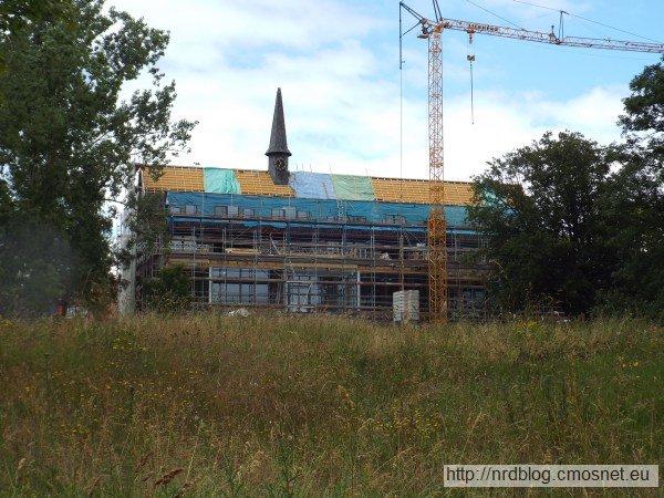 Reichssiedlungshof Oberursel, wzorcowy osiedlowy dom kultury (właśnie psuty przebudową na apartamentowiec)
