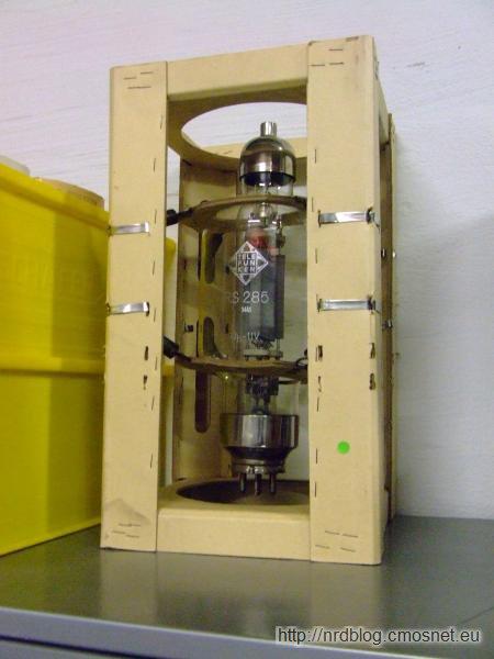 Muzeum poczty Heusenstamm - duża lampa radiowa