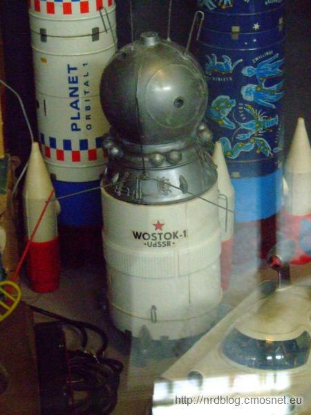 """Model plastikowy statku kosmicznego """"Wostok"""", VEB Plasticart, NRD"""