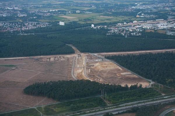 Wycinanie lasu pod nowy pas lotniska we Frankfurcie