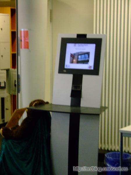 Biblioteka - automat do wypożyczania książek