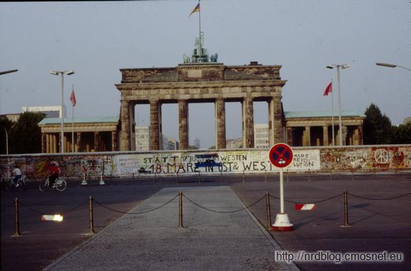 Brama Brandenburska od strony zachodniej w lecie 1989