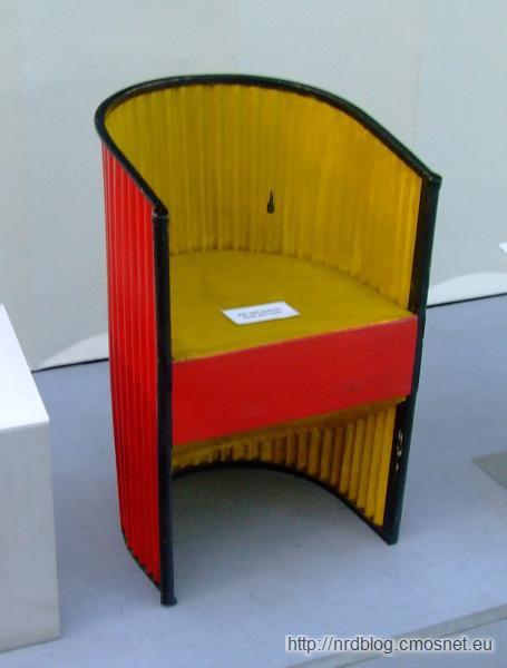 Metalowy fotel Junkersa