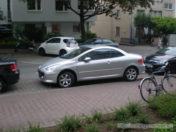 Kto tak parkuje?