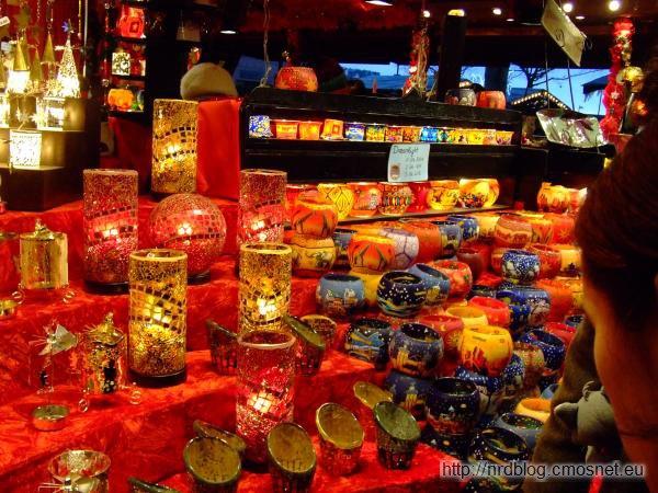 Weihnachtsmarkt we Frankfurcie - lampki na świeczki