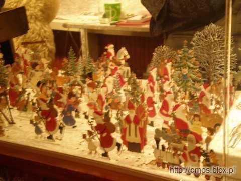 Weihnachtsmarkt we Frankfurcie - cynowe figurki