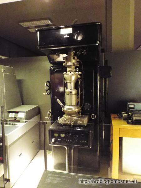 Mikroskop elektronowy Siemens z roku 1939