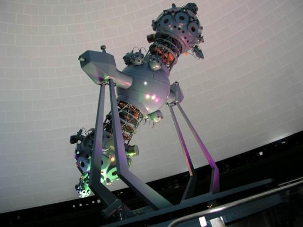 Projektor w planetarium w Jenie, produkt firmy Carl Zeiss Jena