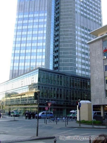 Blockupy Frankfurt - zablokowane przez policję dojście Europejskiego Banku Centralnego