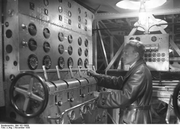"""Łódź latająca Dornier """"Do X"""" - stanowisko inżyniera pokładowego"""