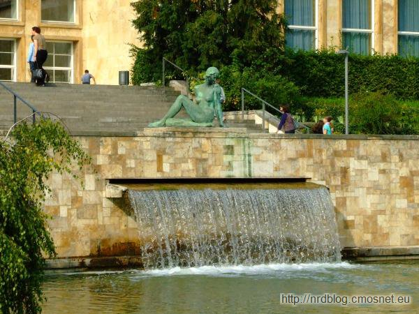 I.G. Farben Haus - fontanna