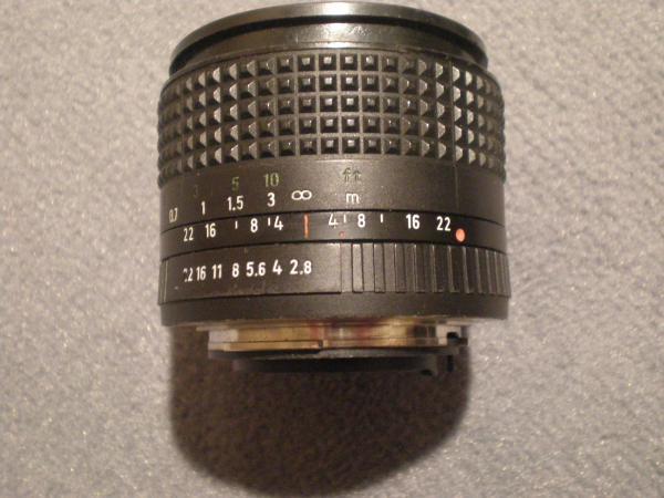 Infrarotpunkt na obiektywie 28mm do aparatu Praktica serii B (NRD)