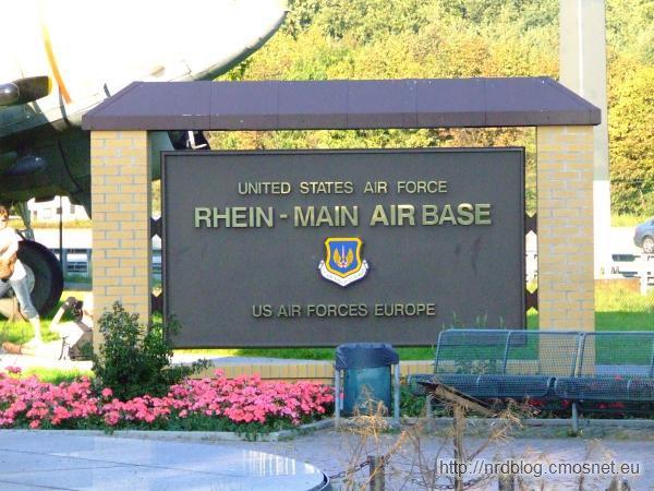 Rhein-Main Airbase koło Frankfurtu