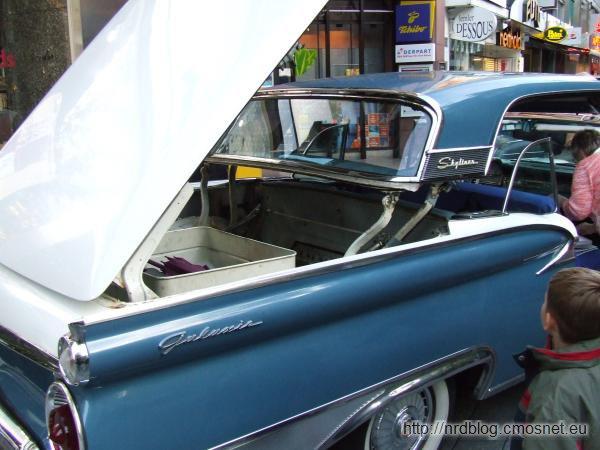 Ford Fairlane 500 Skyliner (1957)