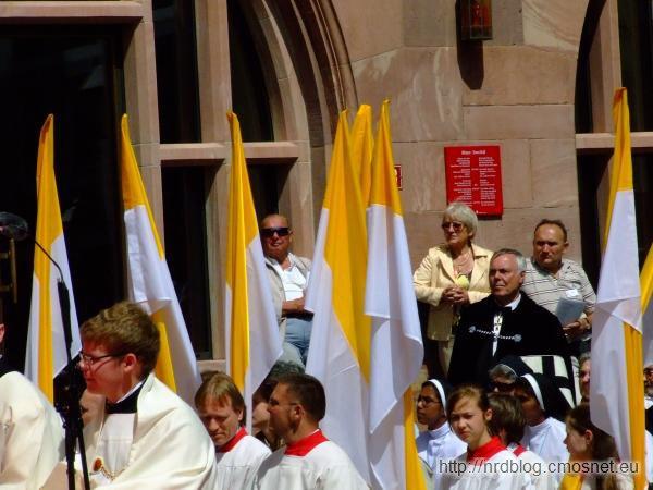 Zakonnik krzyżacki na uroczystościach Bożego Ciała we Frankfurcie