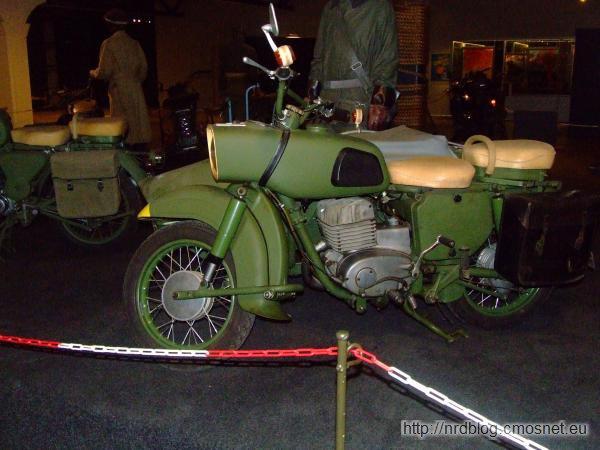 Motocykl MZ serii ES w wersji wojskowej w Marshall Museum Overloon