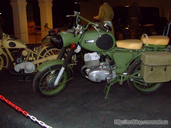 Motocykl MZ serii ETS w wersji wojskowej w Marshall Museum Overloon