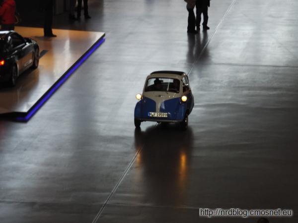 BMW Isetta w BMW Welt